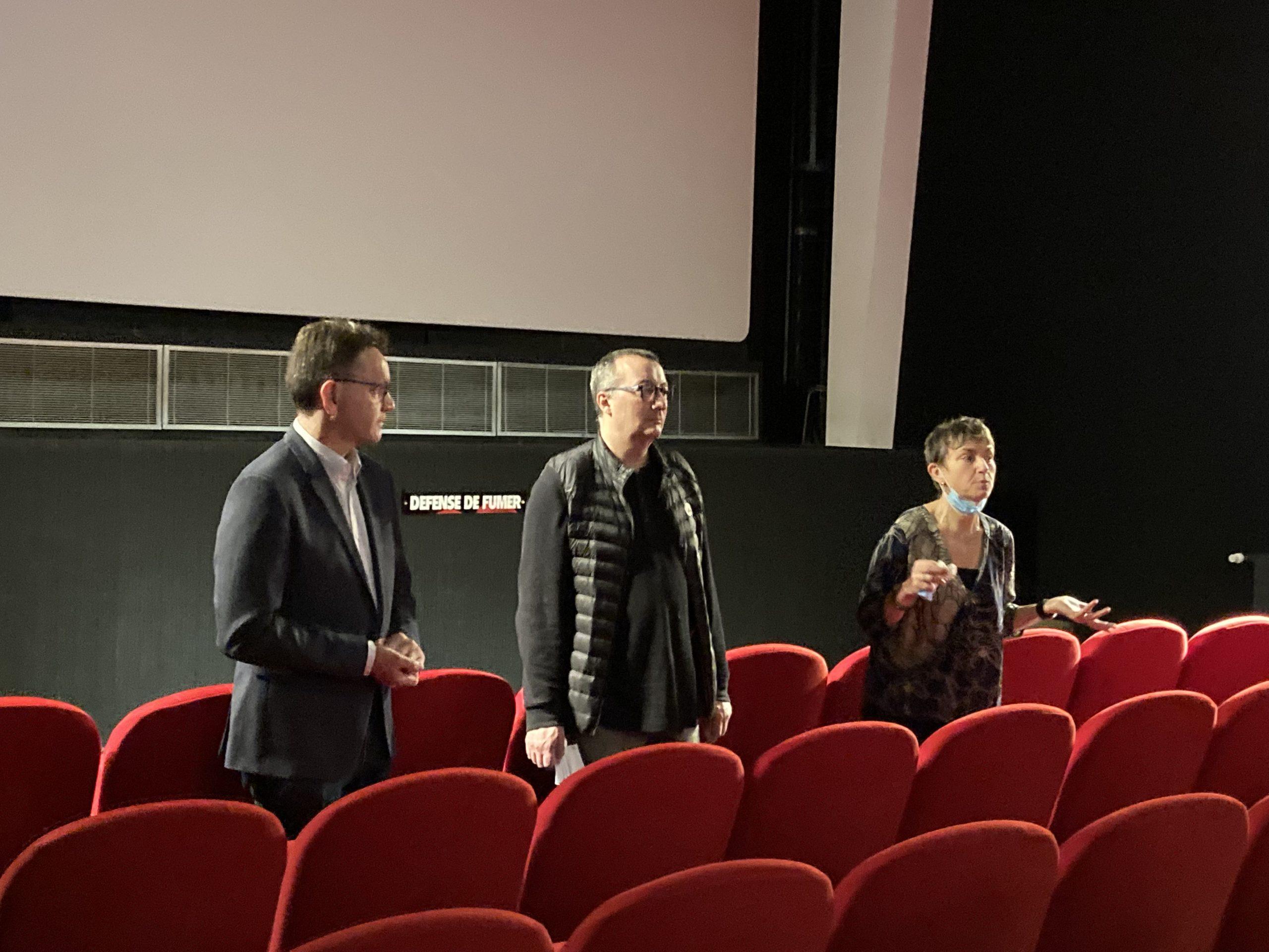 Mr Bony, Maire de Rive de Gier, Frédéric Beickert, président de l'association et Cathie Maturana, chargée de projet.